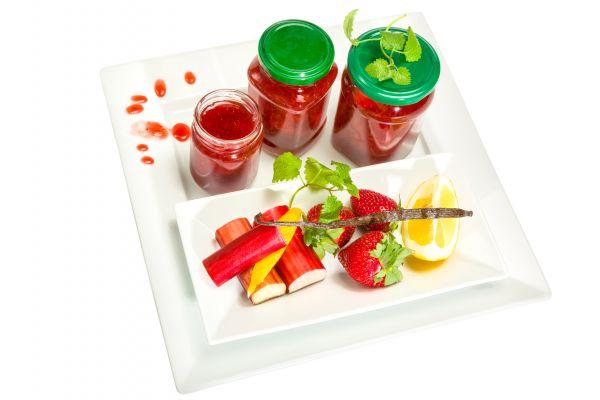 Erdbeer Rhabarber Mix Liquid by Vape Rebelz - 10 ml / 50 ml / 100 ml